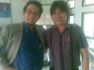 Saya bersama Prof. Sri Edi Swasono (Gedung Seminar FIS Undiksha - Singaraja)